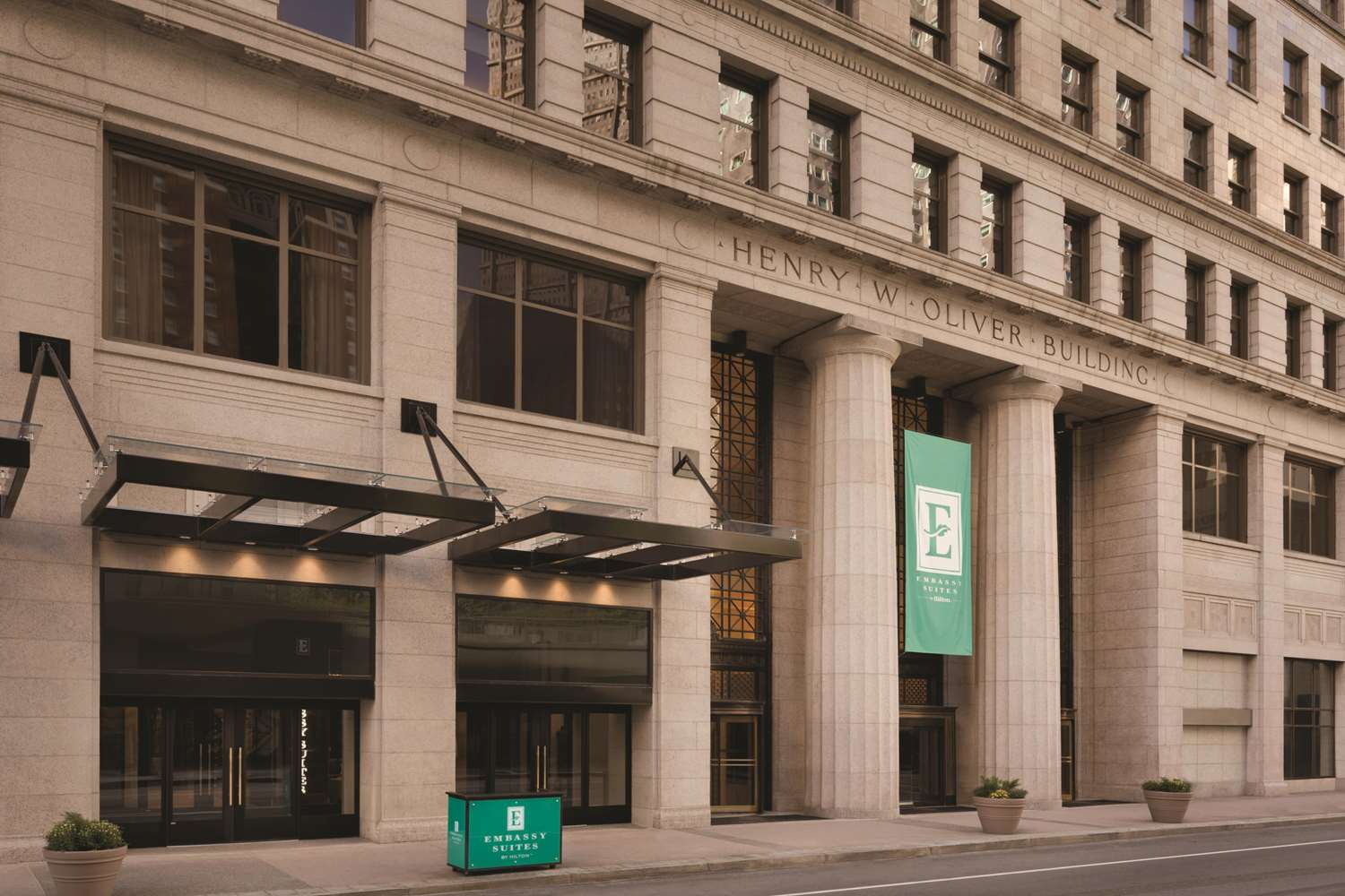 Exterior view - Embassy Suites Downtown Pittsburgh