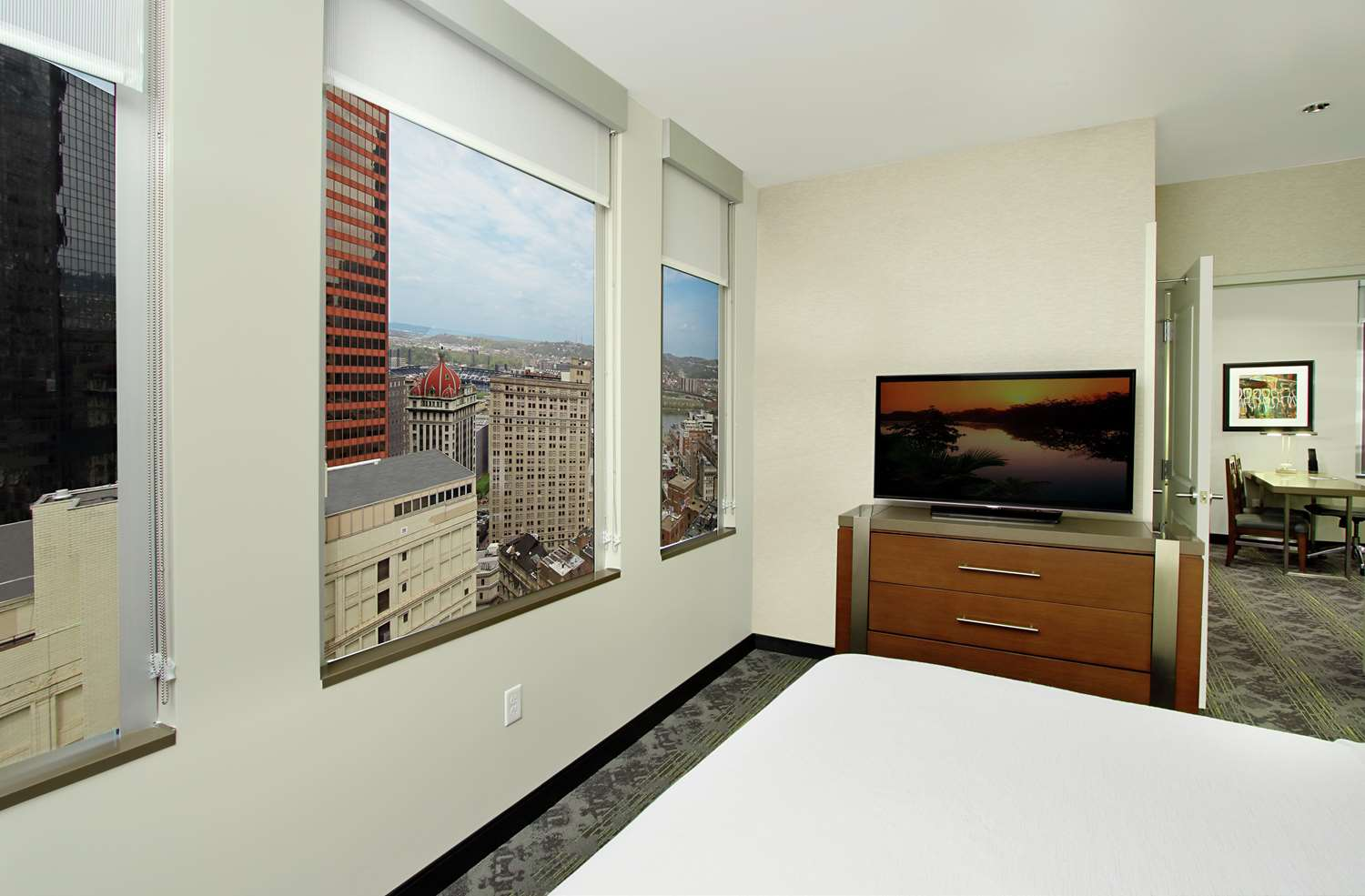 Room - Embassy Suites Downtown Pittsburgh