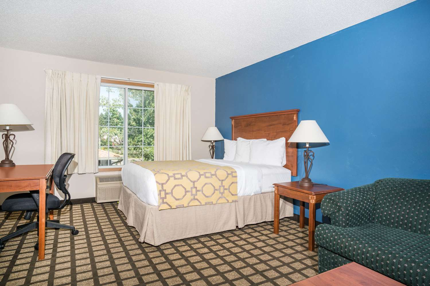 Suite - Baymont Inn & Suites Albany
