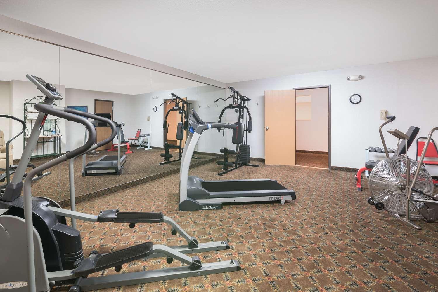 Fitness/ Exercise Room - Baymont Inn & Suites Hot Springs