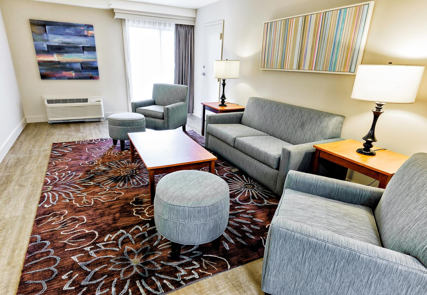 Suite - Best Western Ocean Breeze Inn Hilton Head Island