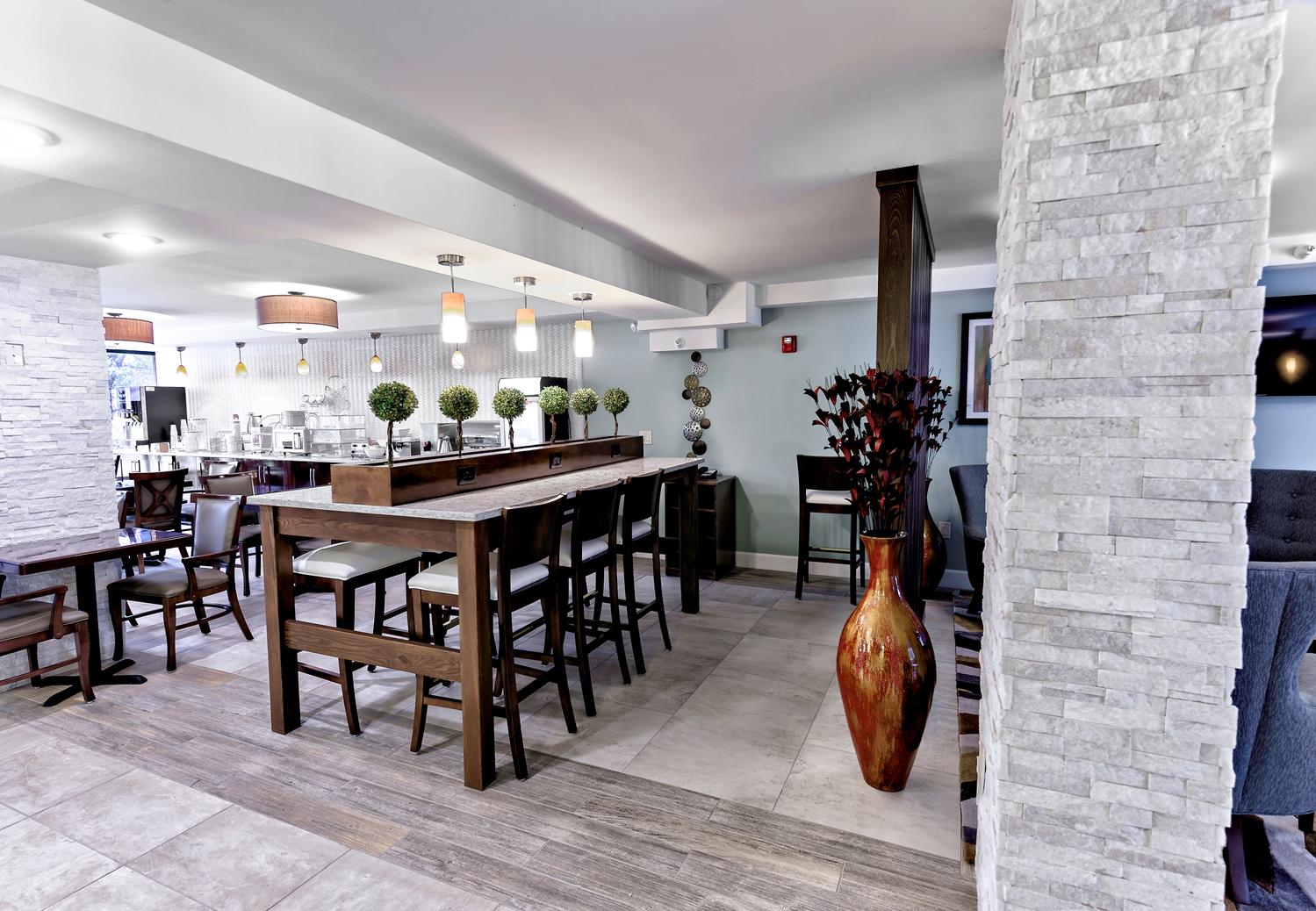 Restaurant - Best Western Ocean Breeze Inn Hilton Head Island