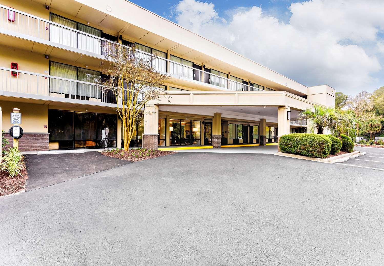 Exterior view - Best Western Ocean Breeze Inn Hilton Head Island