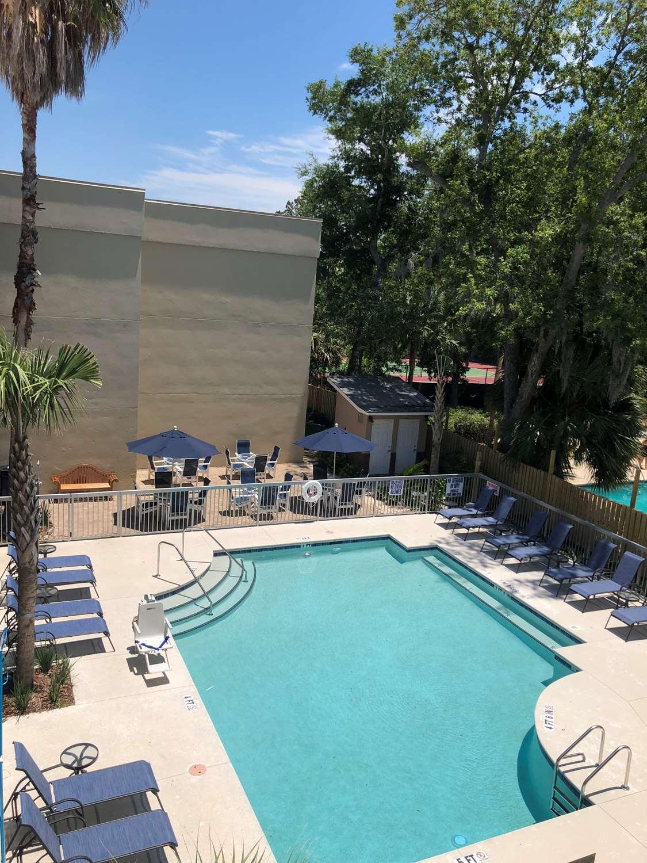 Pool - Best Western Ocean Breeze Inn Hilton Head Island
