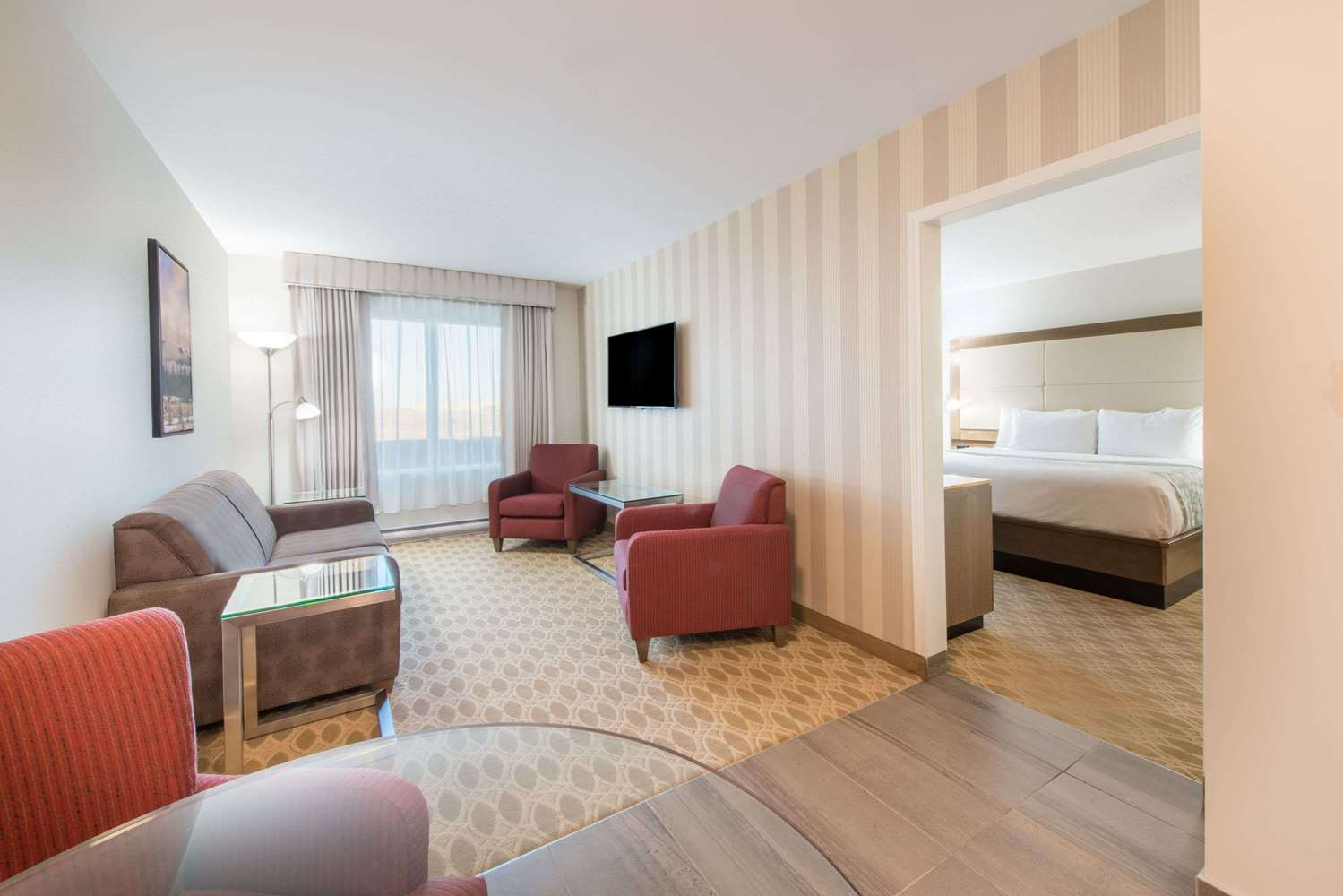 Room - Wyndham Garden Hotel Airport Calgary