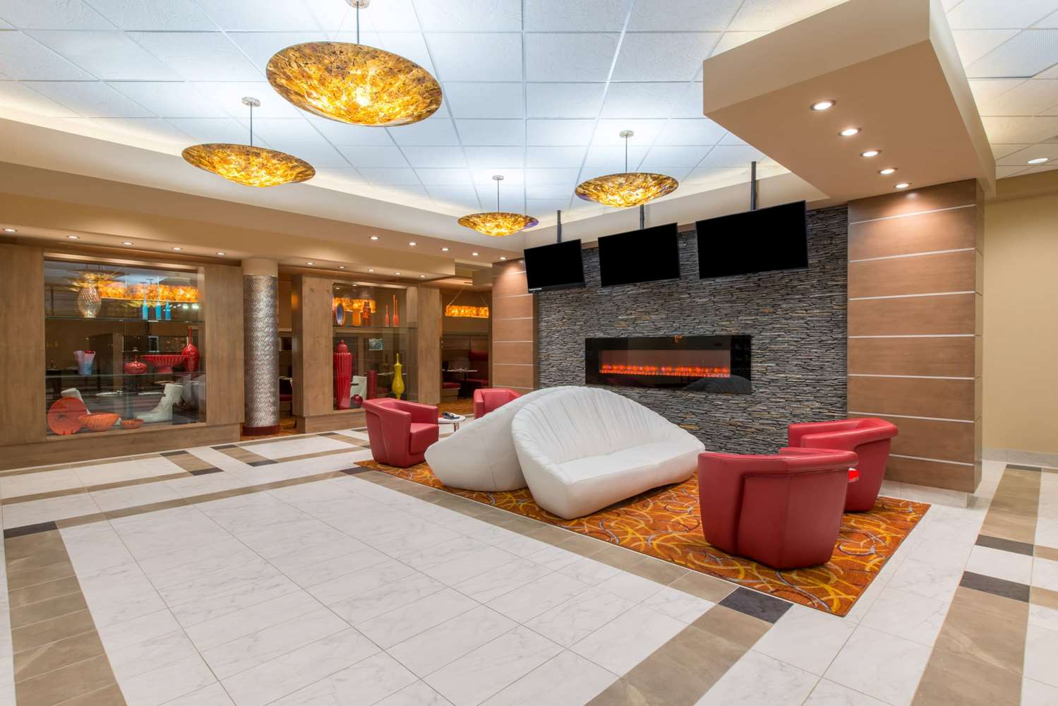 Lobby - Wyndham Garden Hotel Airport Calgary