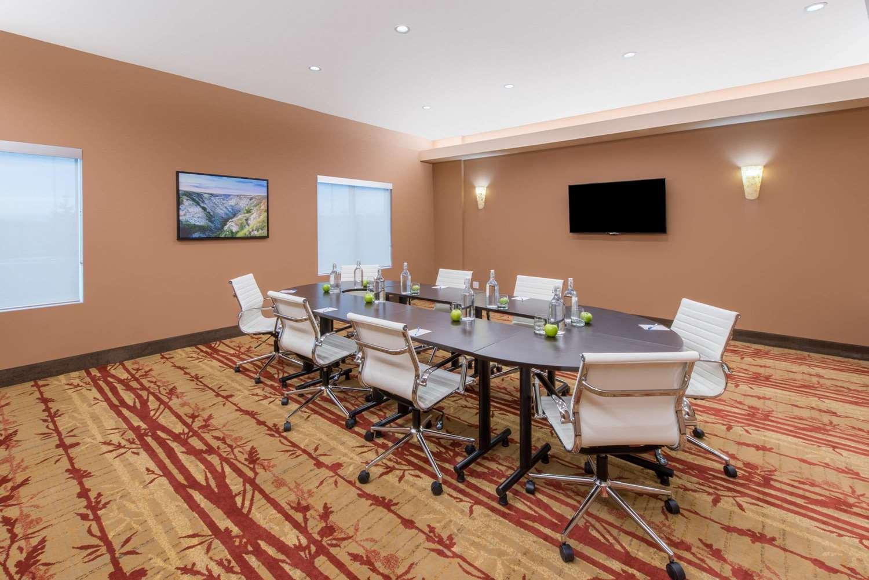 Meeting Facilities - Wyndham Garden Hotel Airport Calgary