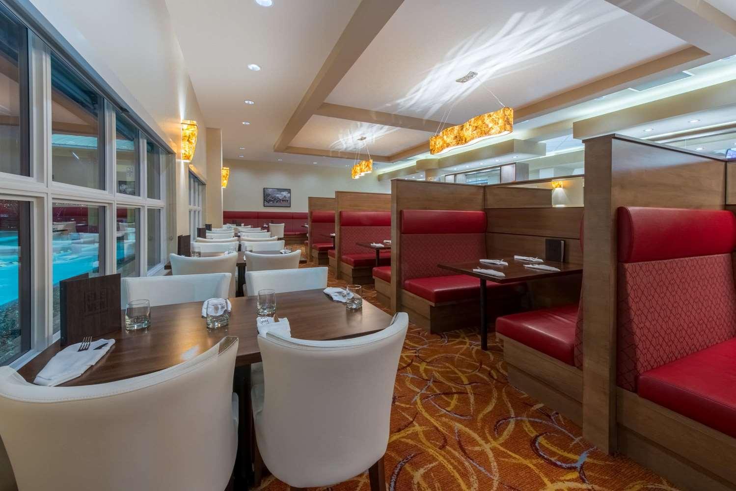Restaurant - Wyndham Garden Hotel Airport Calgary