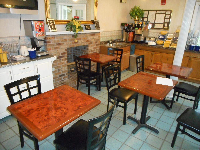 Restaurant - Americas Best Value Inn Blue Ridge
