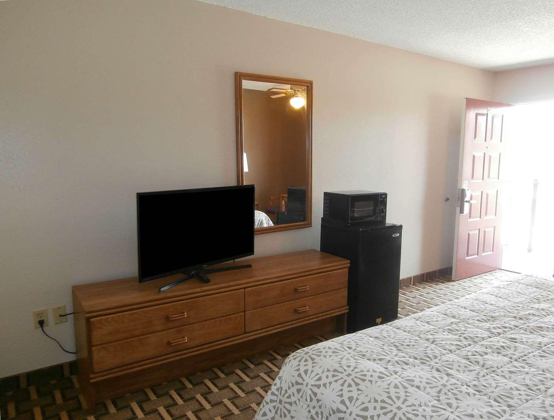 Room - Americas Best Value Inn Blue Ridge