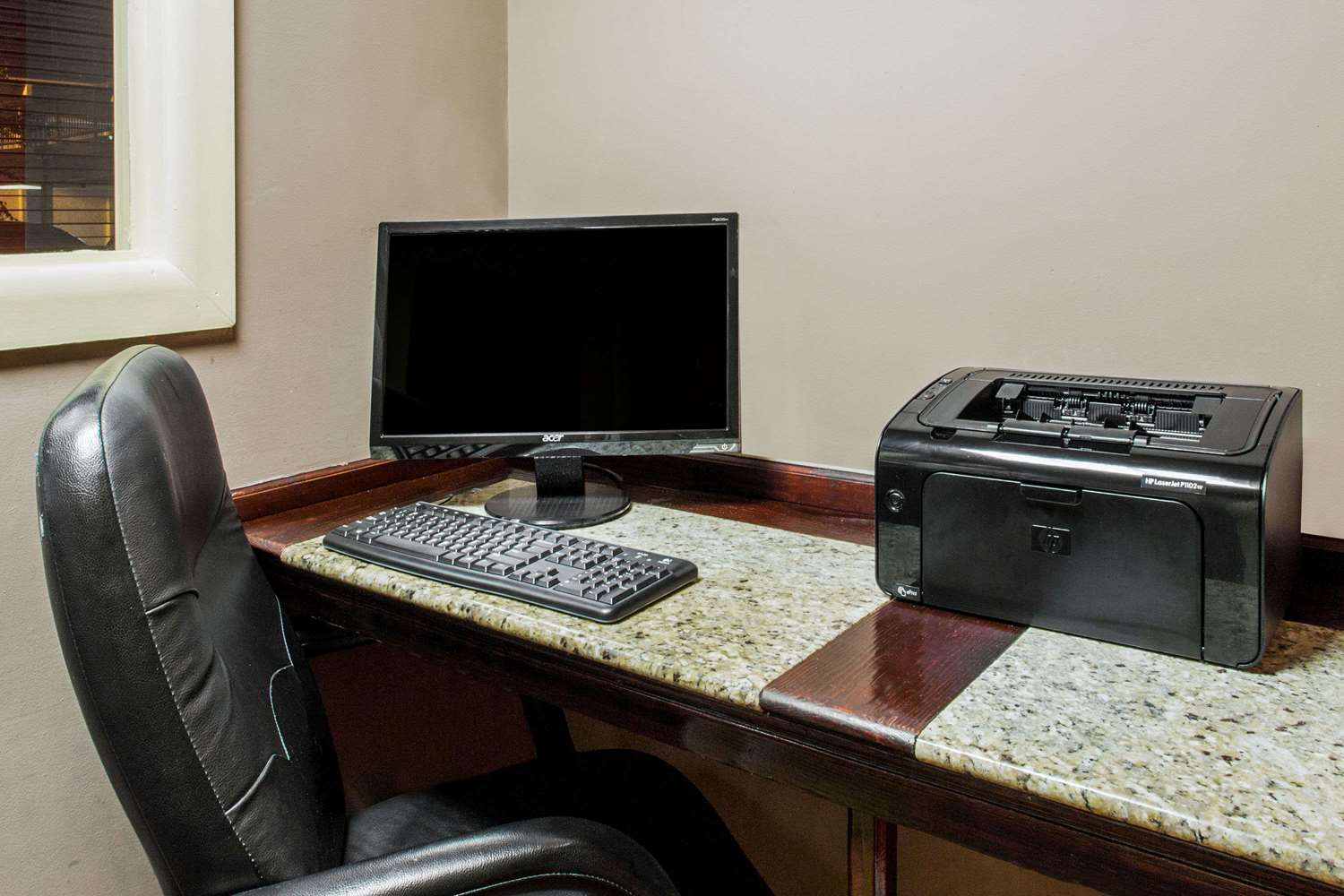 Conference Area - Baymont Inn & Suites Fayetteville