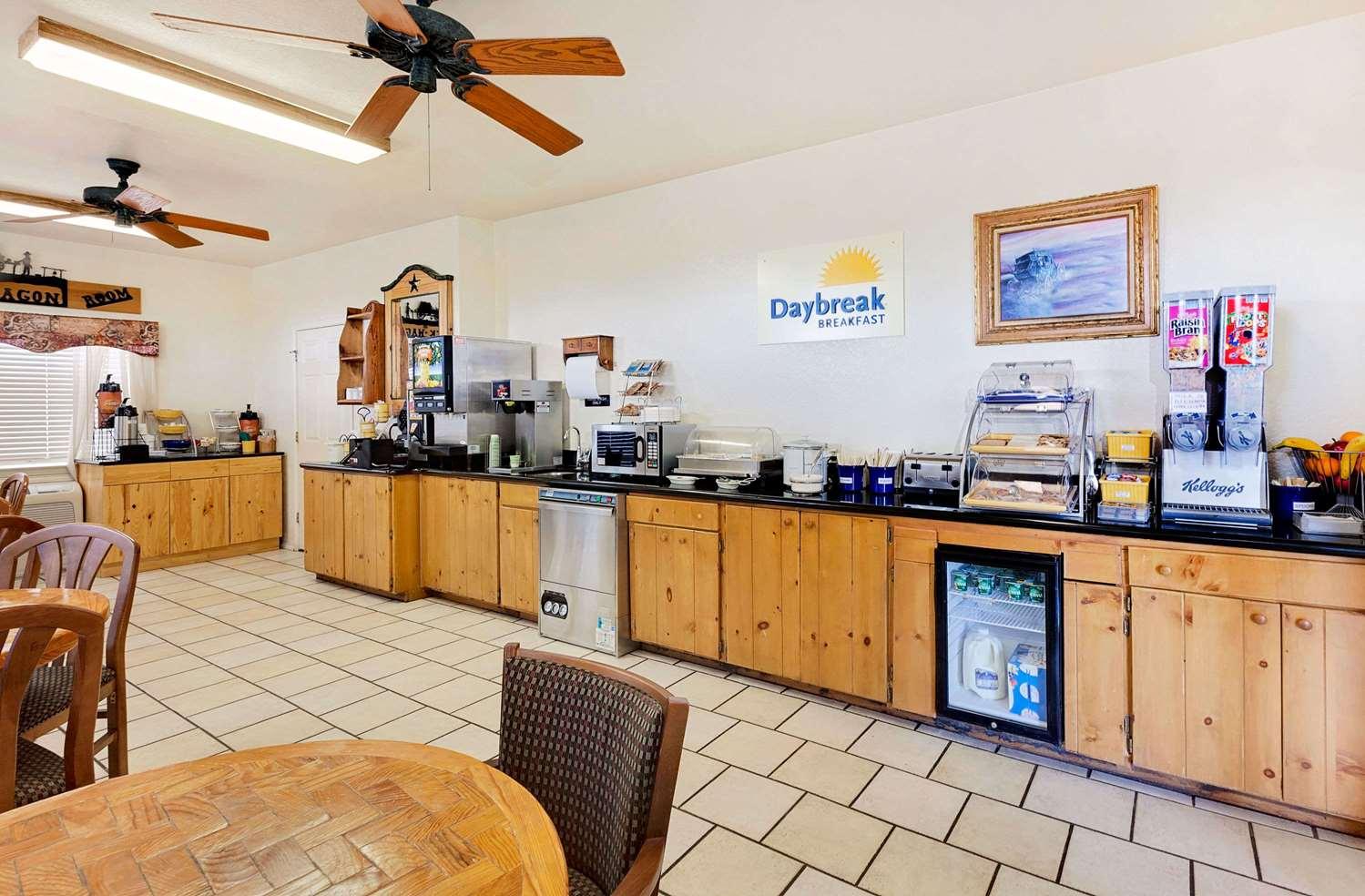 Lobby - Days Inn San Angelo