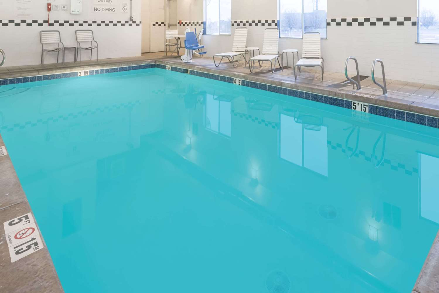 Pool - Baymont Inn & Suites Santa Fe