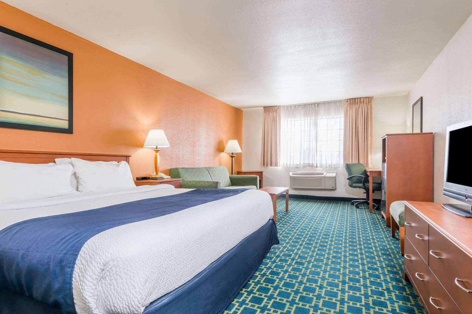 Room - Baymont Inn & Suites Santa Fe