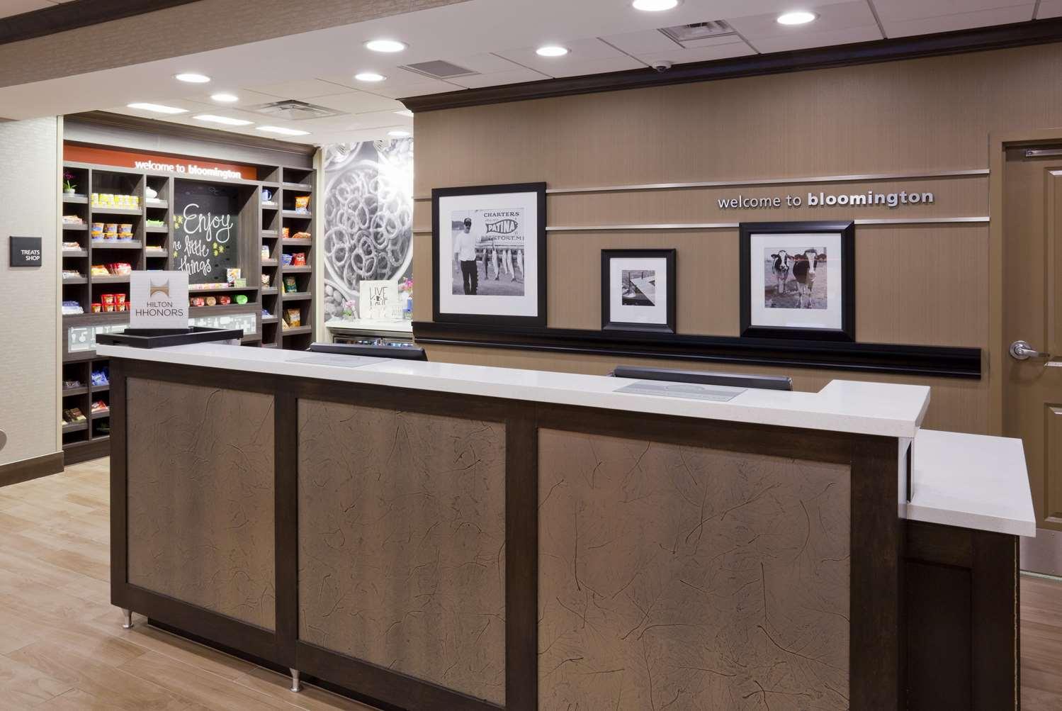 Lobby - Hampton Inn West Bloomington