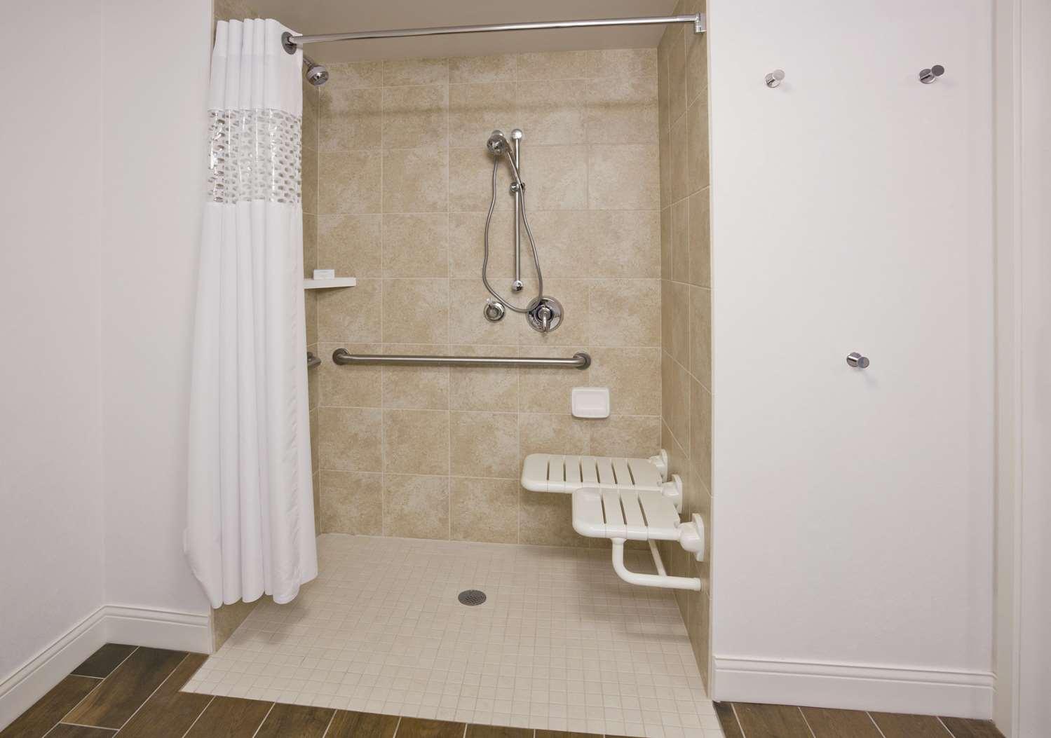 Room - Hampton Inn West Bloomington