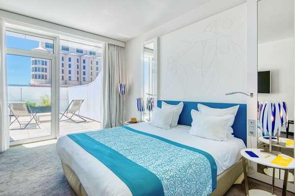 Hotel GOLDEN TULIP MARSEILLE EUROMED - Superior Room Terrace