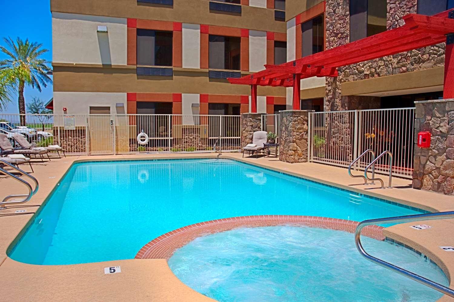 Pool - Best Western Legacy Inn & Suites Gilbert