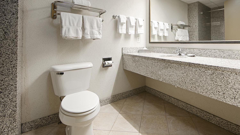 Room - Best Western Plus Sandusky Hotel & Suites