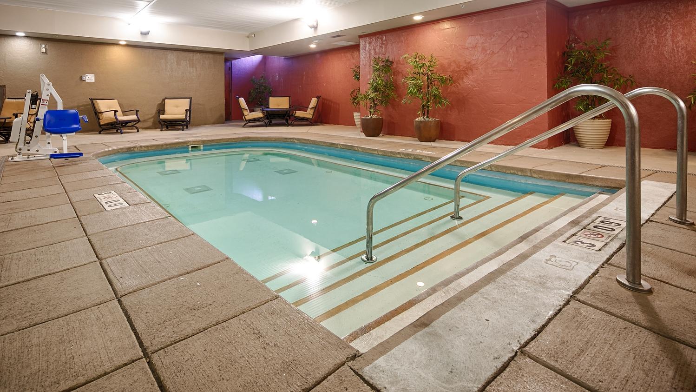 Pool - Best Western Plus Sandusky Hotel & Suites