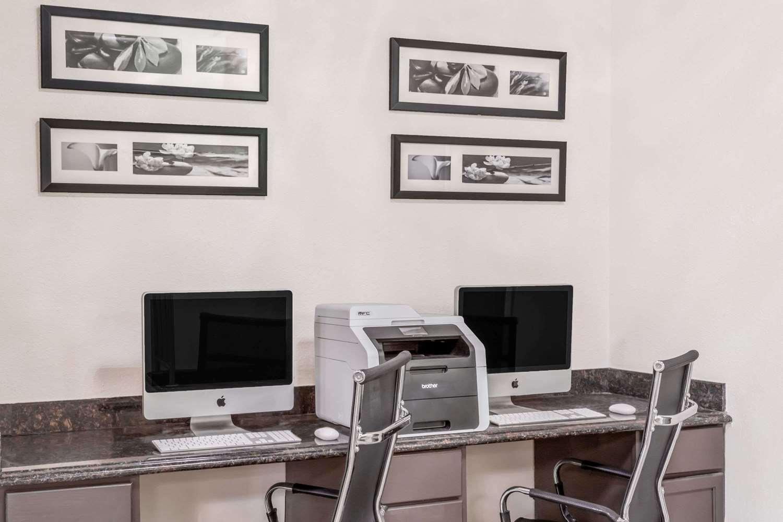 Conference Area - Baymont Inn & Suites Delavan