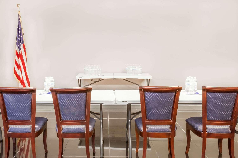 Meeting Facilities - Baymont Inn & Suites Delavan