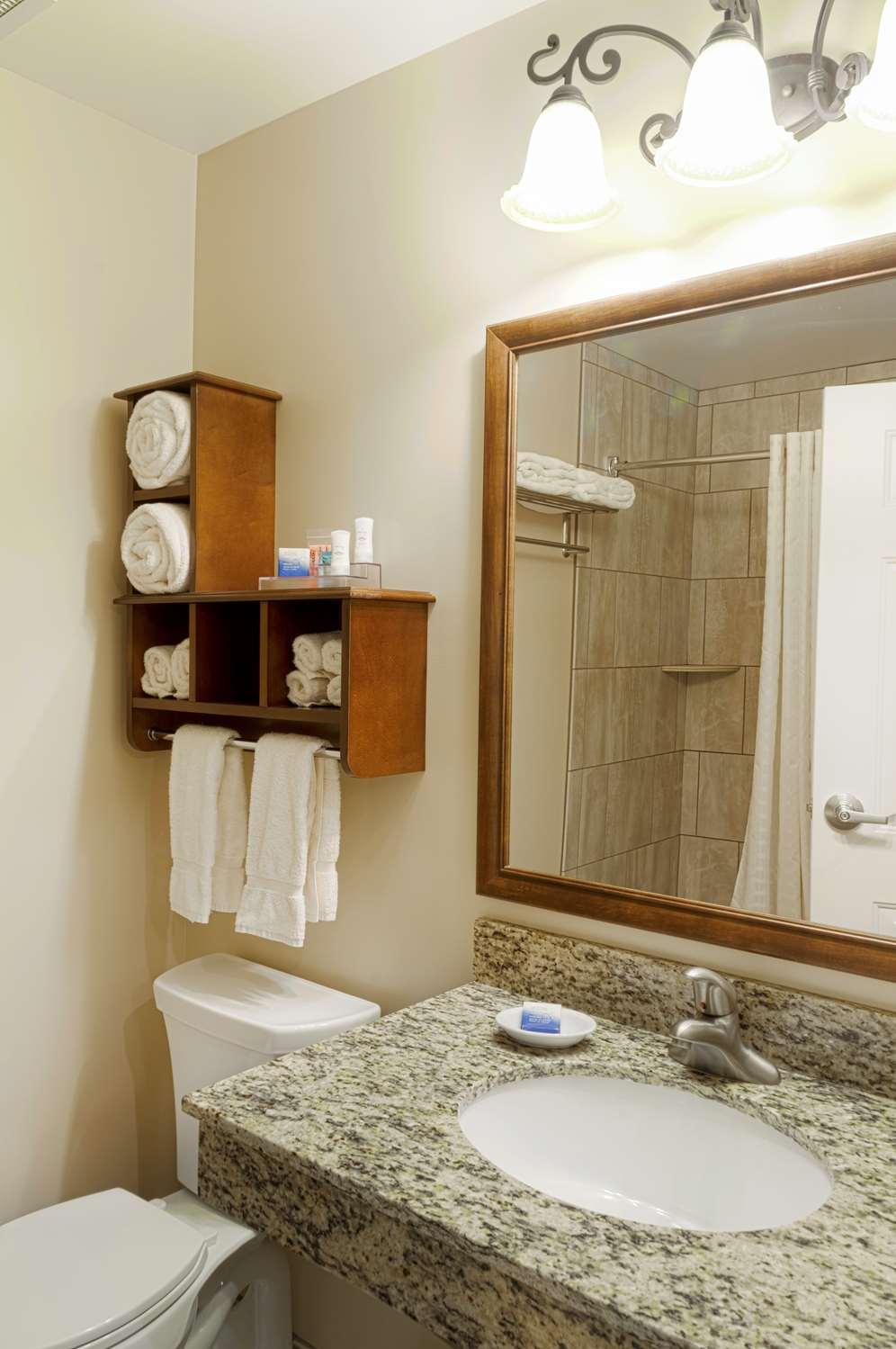 Room - Best Western Plus Country Cupboard Inn Lewisburg
