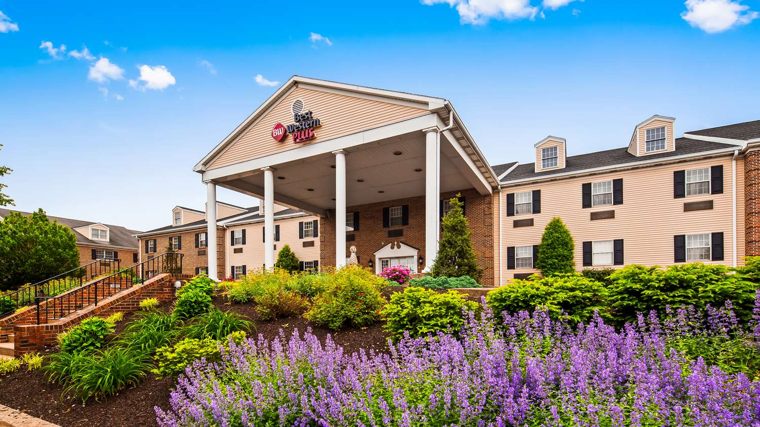 Exterior view - Best Western Plus Country Cupboard Inn Lewisburg