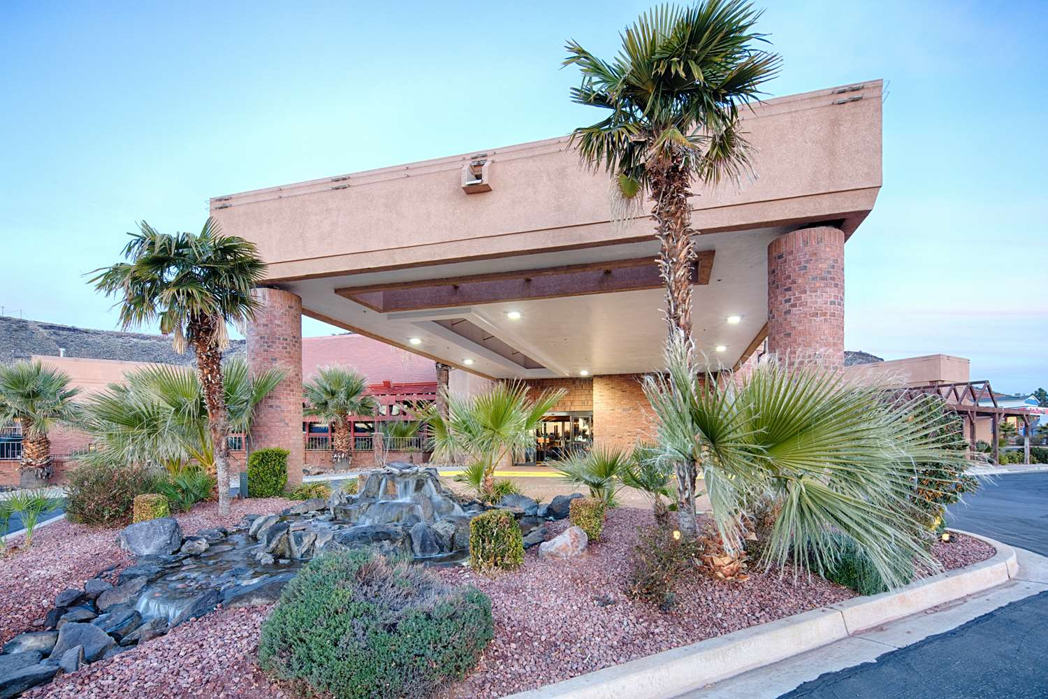 Red Lion Hotel St George, UT - See Discounts