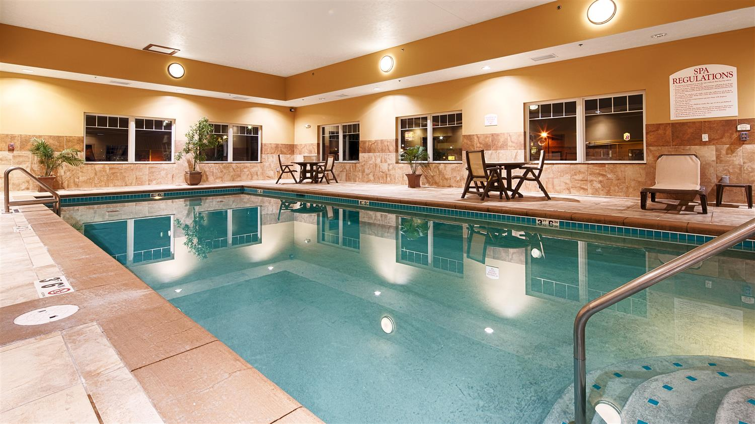 Pool - Best Western Plus Grand Island Inn