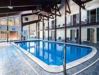 Pool - Days Inn Lincoln