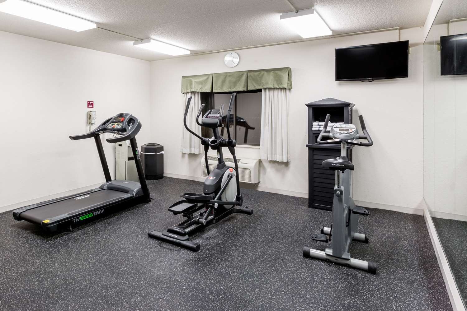 Fitness/ Exercise Room - Ramada Hotel Airport Platte City