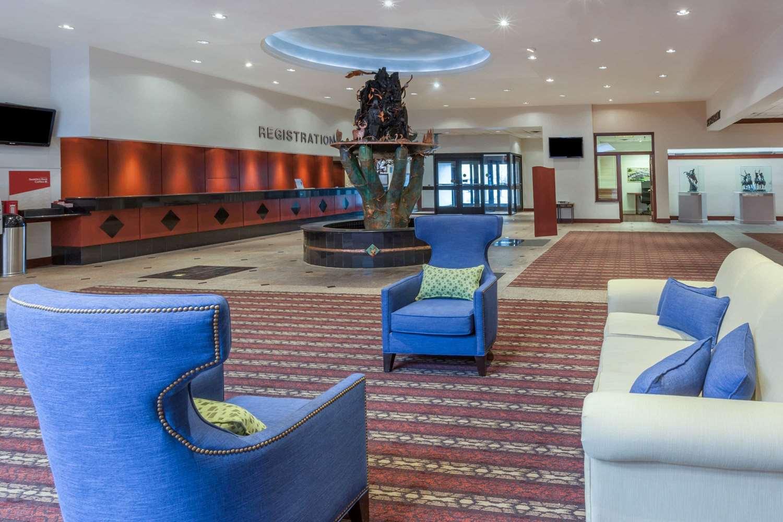 Lobby - Wyndham Garden Hotel Sterling Heights