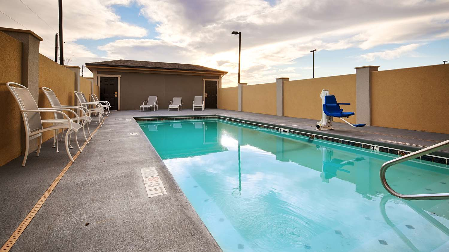 Pool - Best Western Plus Lonestar Inn & Suites Colorado City