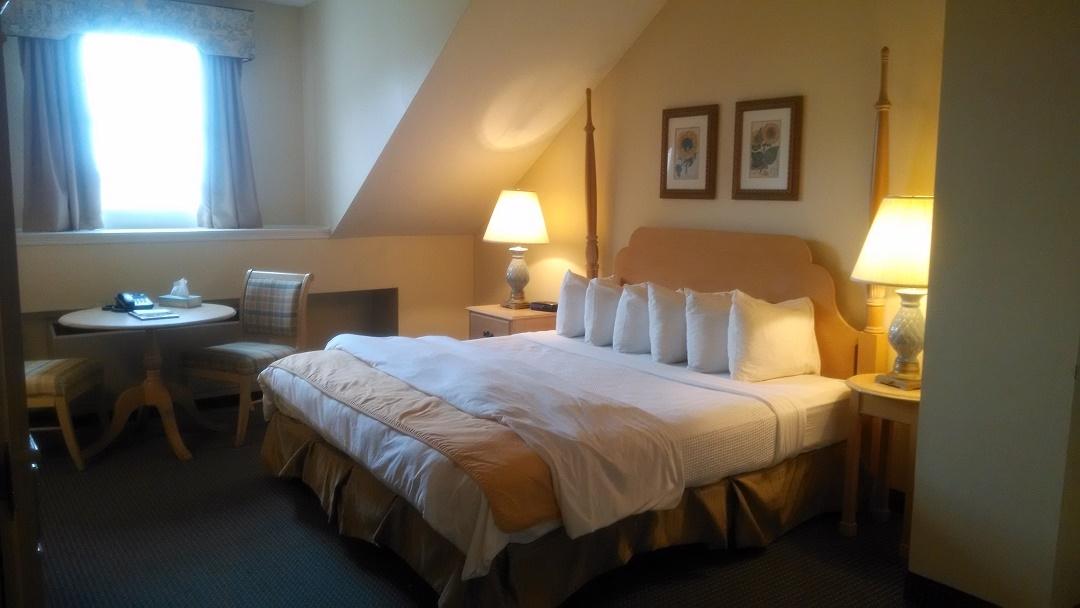 Room - Bristol Harbor Inn
