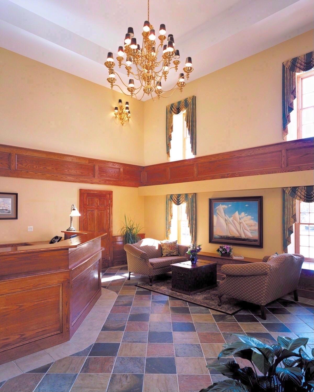 Lobby - Bristol Harbor Inn