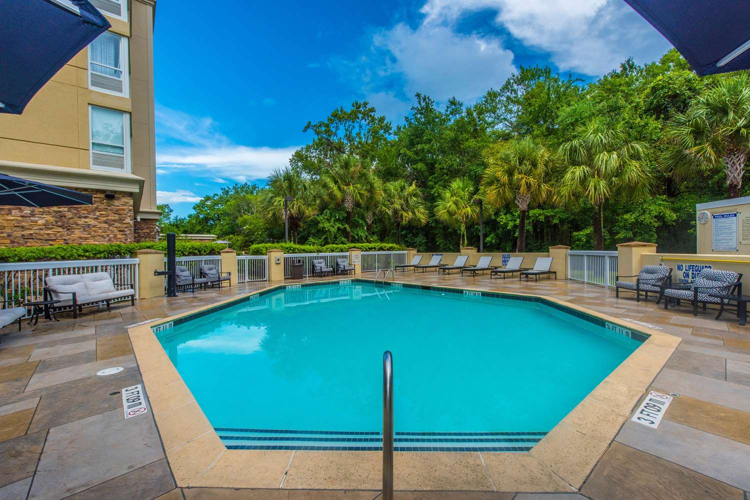 Pool - DoubleTree by Hilton Hotel Airport North Charleston