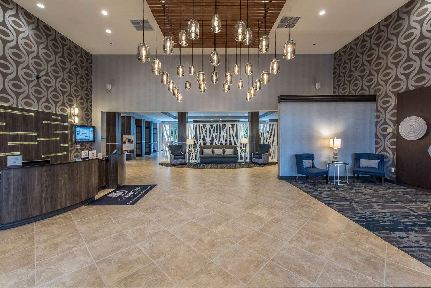 Lobby - DoubleTree by Hilton Hotel Airport North Charleston