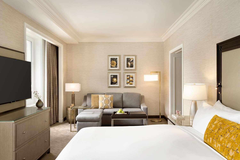 Room - Fairmont Chateau Hotel Lake Louise