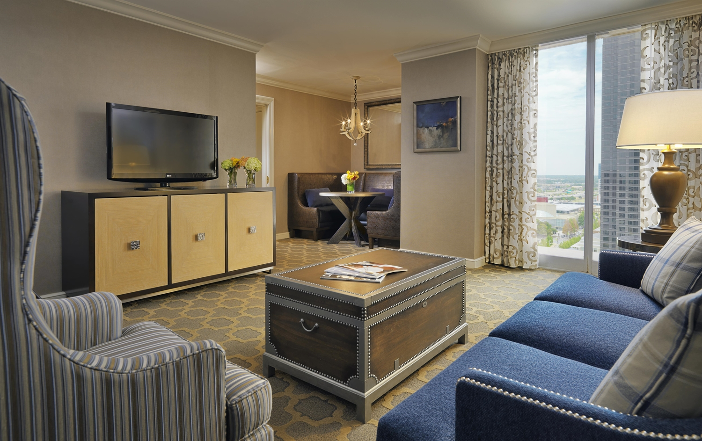 Suite - Fairmont Hotel Dallas