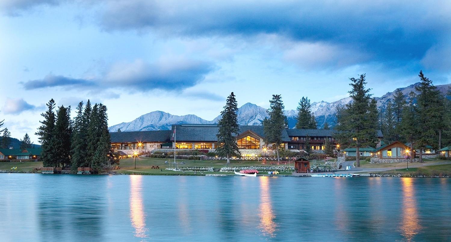 Exterior view - Fairmont Jasper Park Lodge