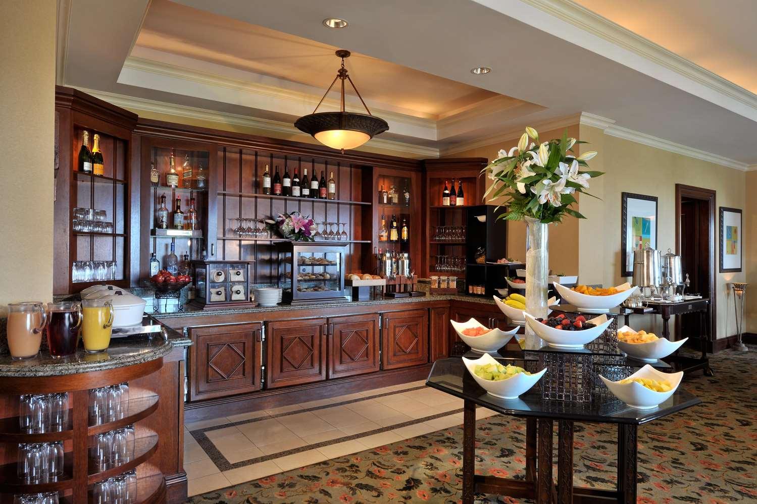 Fairmont Gold Lounge Breakfast