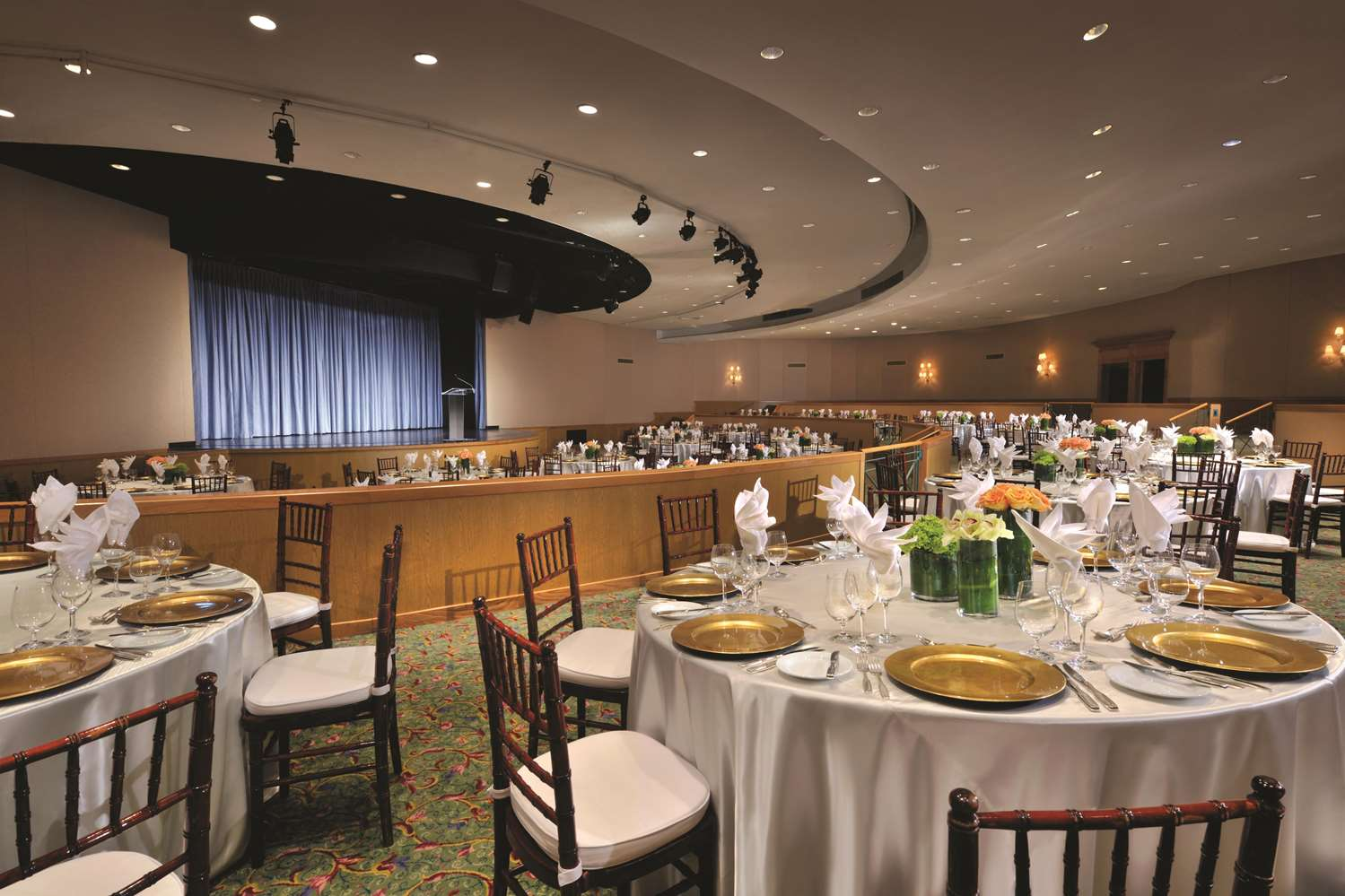 Mid Ocean Ampitheatre Banquet