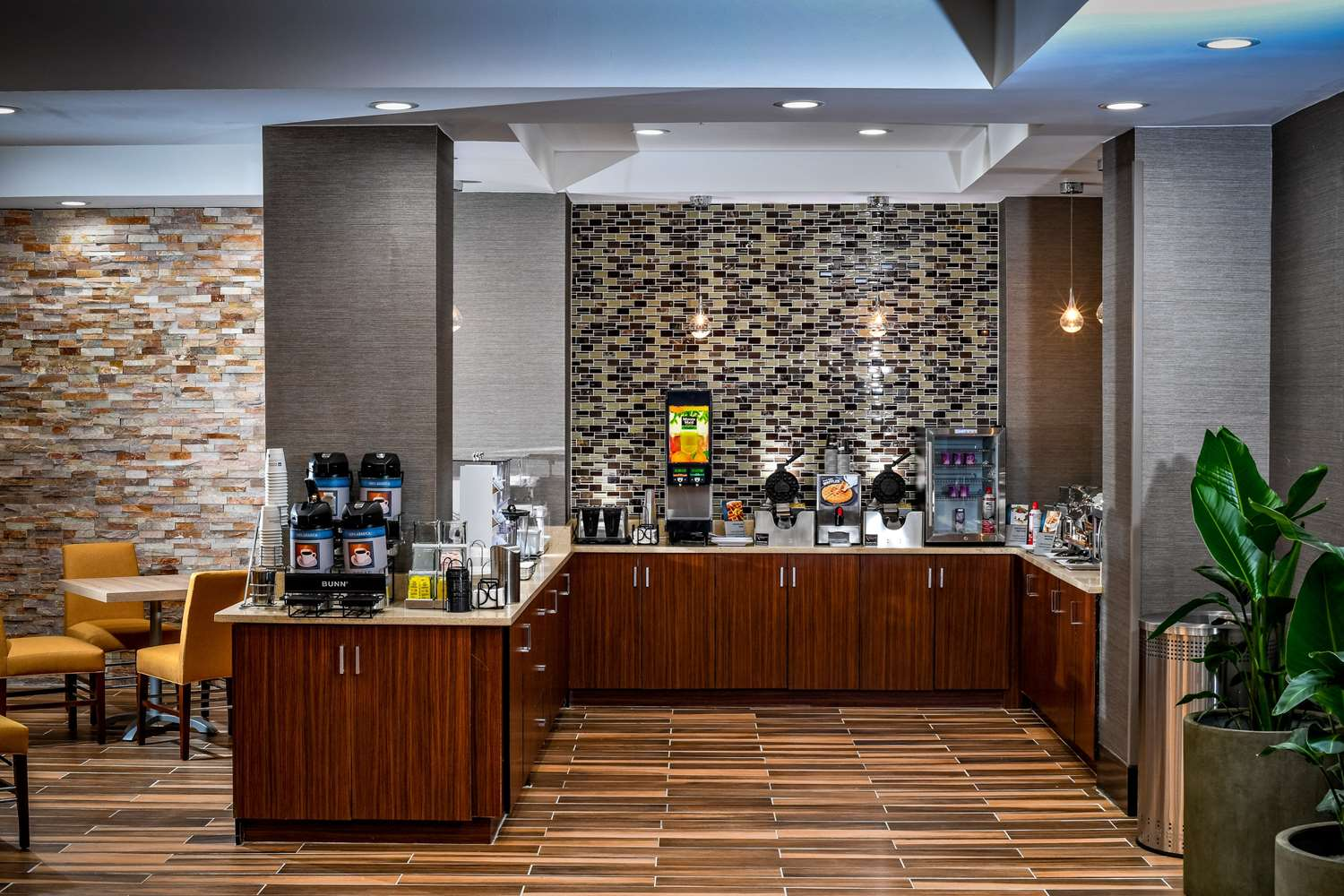 Restaurant - Best Western Plus Philadelphia Convention Center Hotel