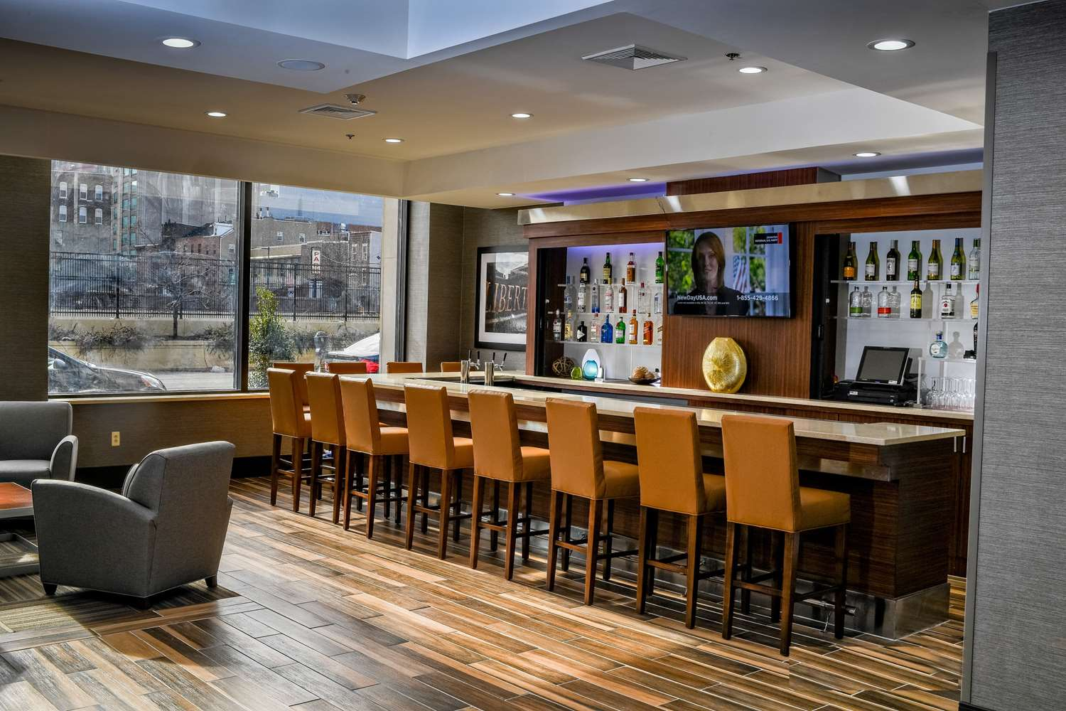 Bar - Best Western Plus Philadelphia Convention Center Hotel