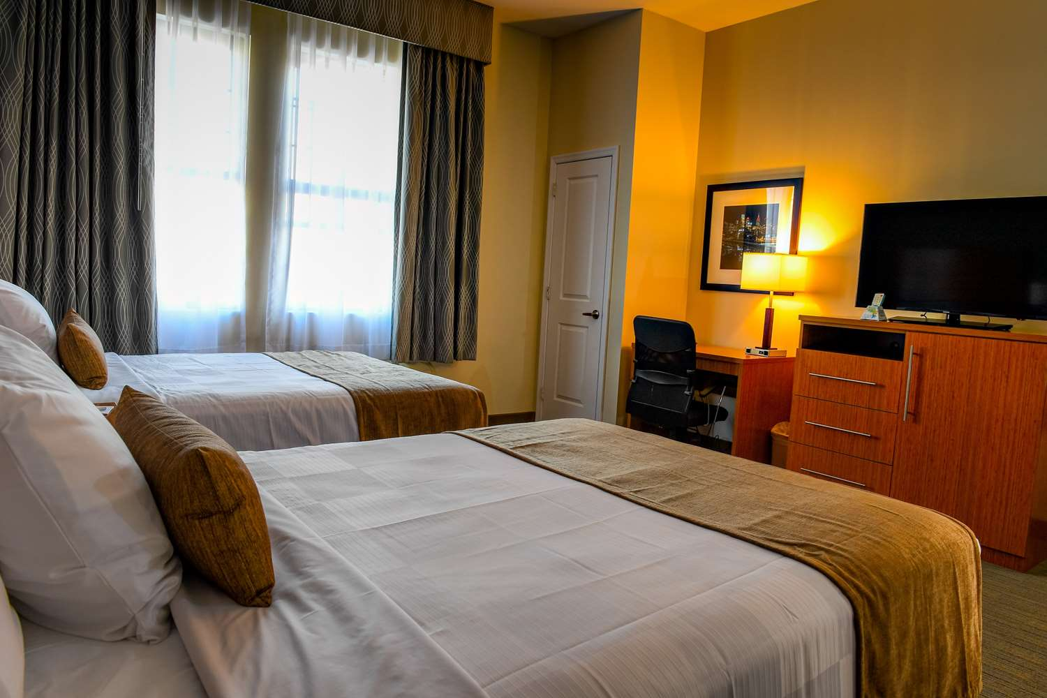 Room - Best Western Plus Philadelphia Convention Center Hotel
