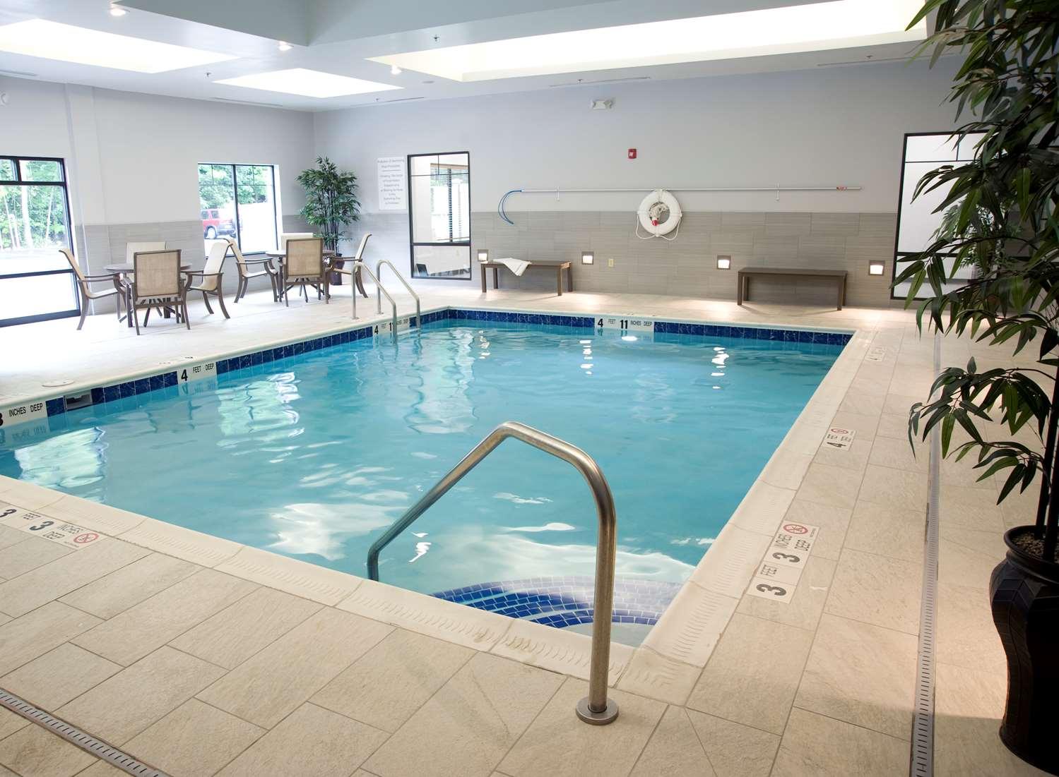 Pool - Best Western Plus The Hammondsport Hotel