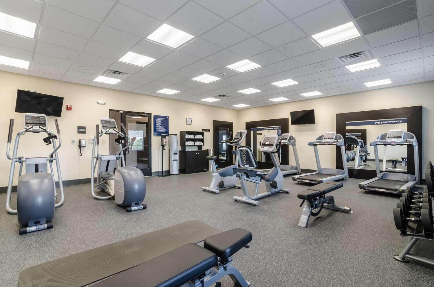 Fitness/ Exercise Room - Hampton Inn & Suites Pratt