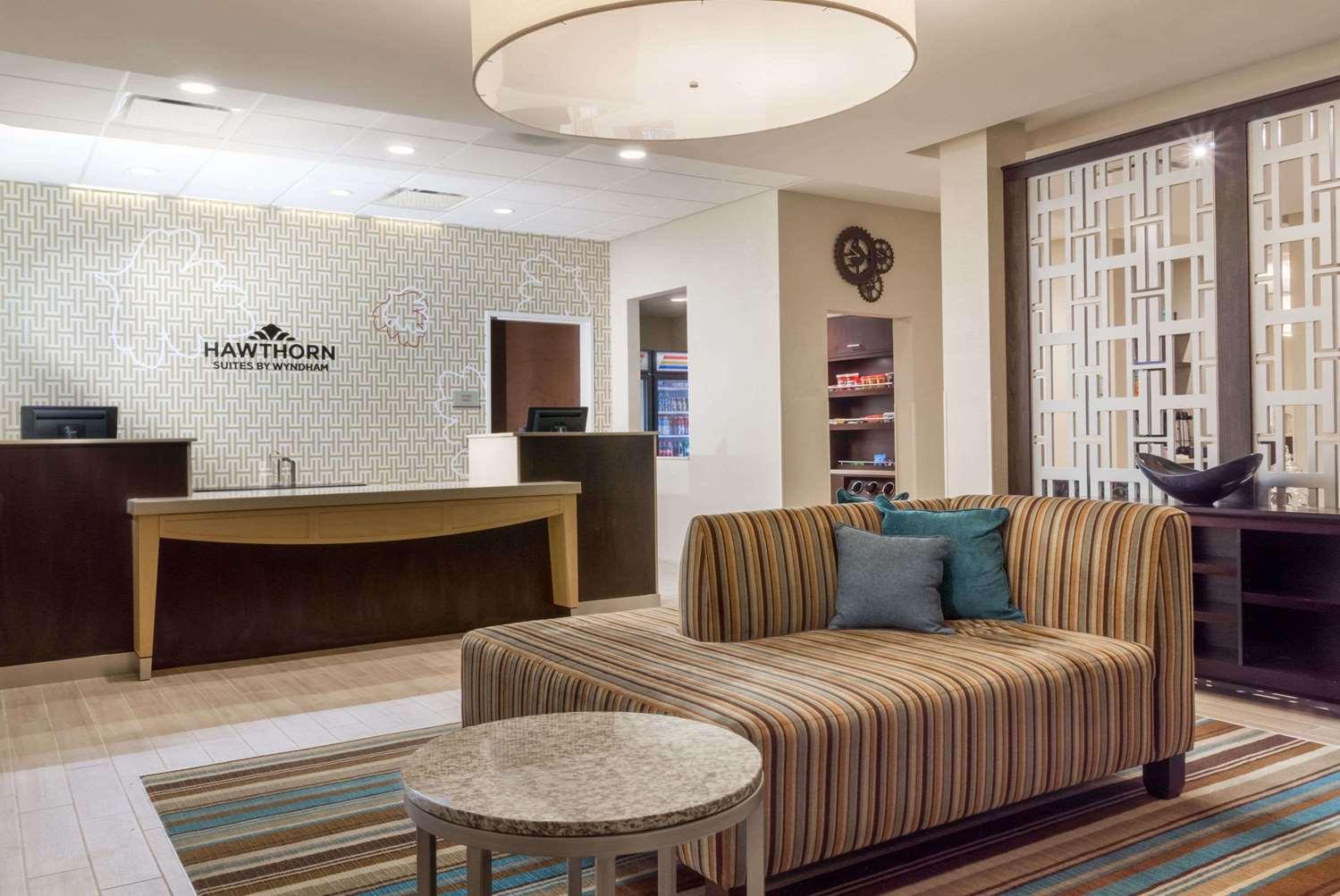 Lobby - Hawthorn Suites by Wyndham Triadelphia
