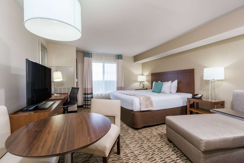 Room - Hawthorn Suites by Wyndham Triadelphia